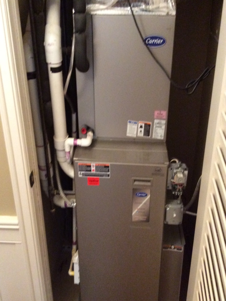 Asheville, NC - Spring tune up on a carrier heatpumps