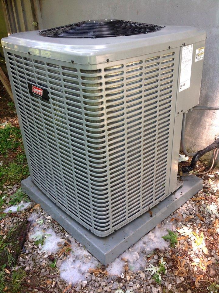 Mills River, NC - Coleman heat pump