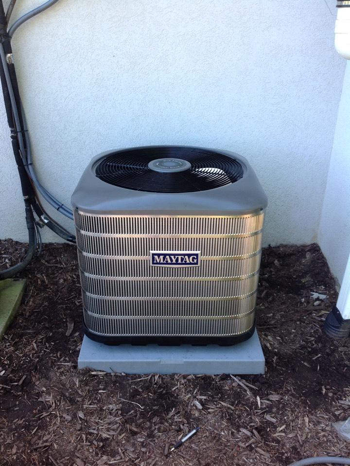 Hendersonville, NC - Installation of maytag air conditioner 2.5 ton 15 seer