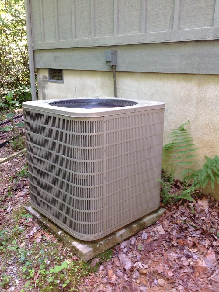 Sapphire, NC - Goodman heat pump