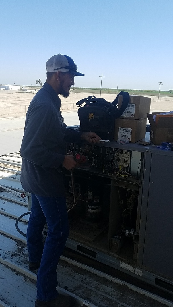 Kerman, CA - Install low ambient control on units.