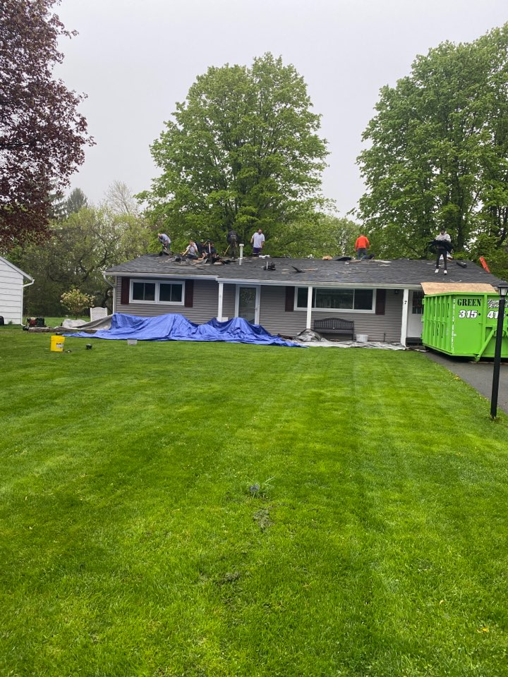 Camillus, NY - 2 layer tear off on this single story ranch! Installing new GAF HDZ architectural shingles!