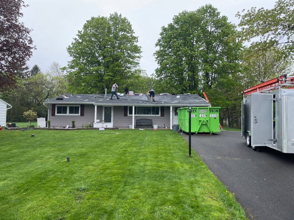 Camillus, NY - Finishing this one story roof by lunch. Using GAF timberline hdz charcoal