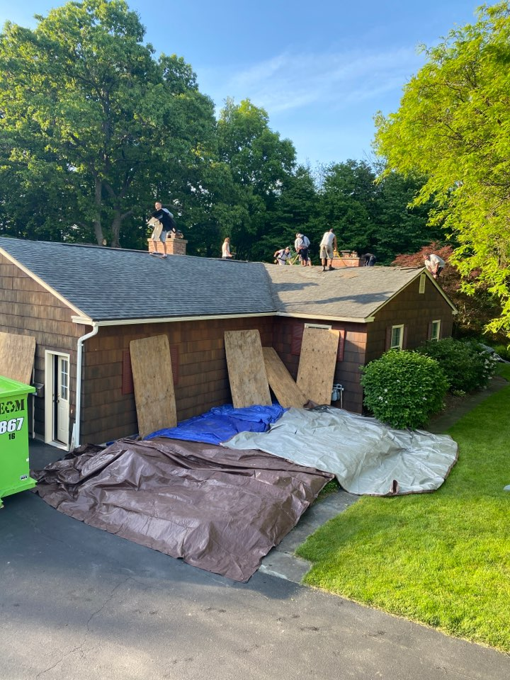 Syracuse, NY - Beautiful ranch today! Doing a full tear off and roof replacement with GAF HDZ architectural shingles. The color is bark wood!