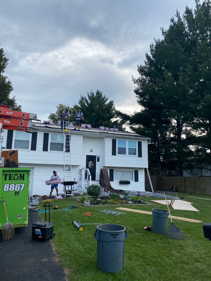 Liverpool, NY - Full tear off and complete plywood on this home in Liverpool!