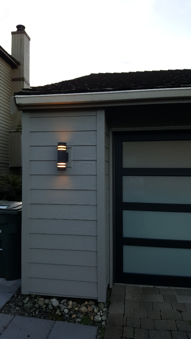 Bellevue, WA - Checking in on a past siding job.