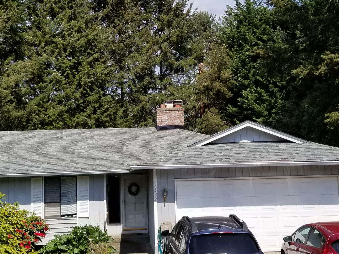 Bellevue, WA - Another beautiful rubber roof installed by State Roofing