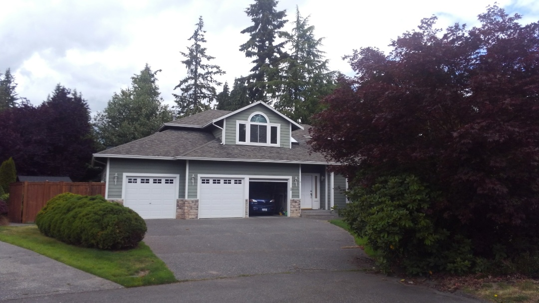 Lynnwood, WA - Our customer is wanting a new rubber based shingle to replace the old fiber glass composition shingle. Great choice for this beautiful home with the 50 year warranty.