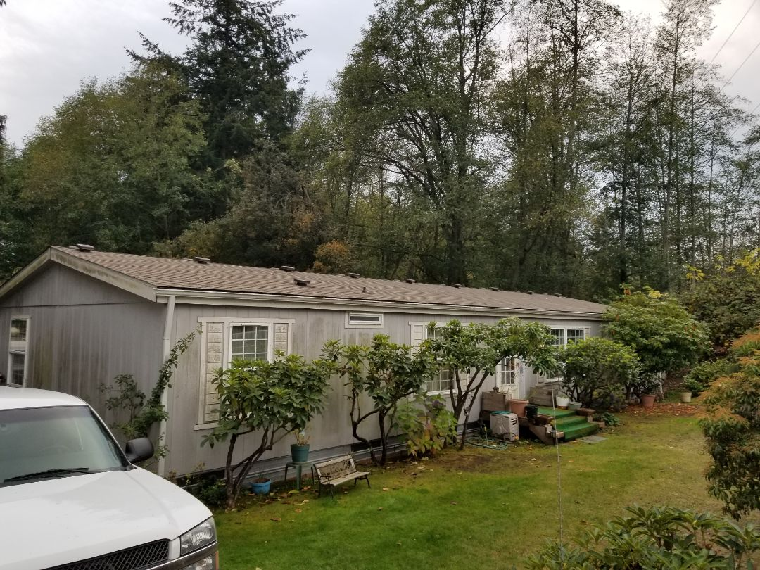 Everett, WA - Working with an excited roof and deck customer in Everett.