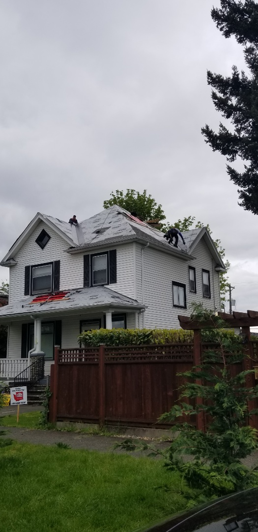 Tacoma, WA - Installing a new roof on this beautiful house in north tacoma!