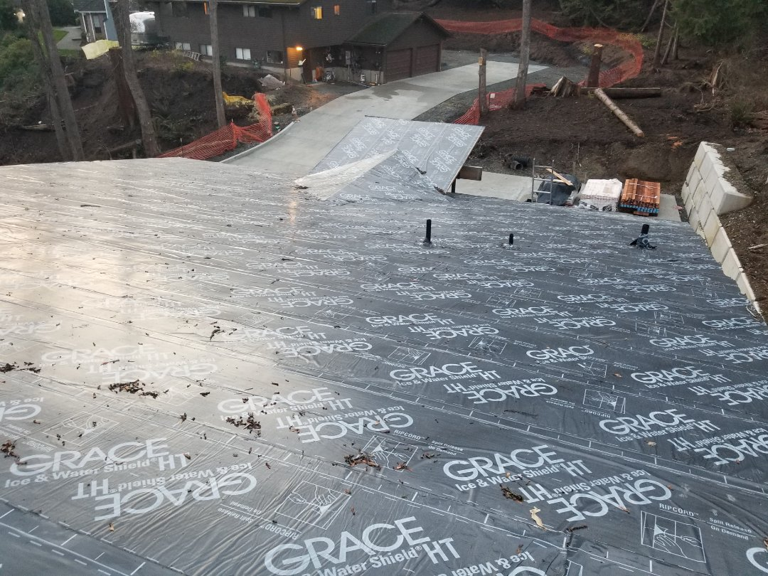 Mercer Island, WA - Providing a free estimate on a metal roof on Mercer Island. Call State Roofing today for your home improvement needs