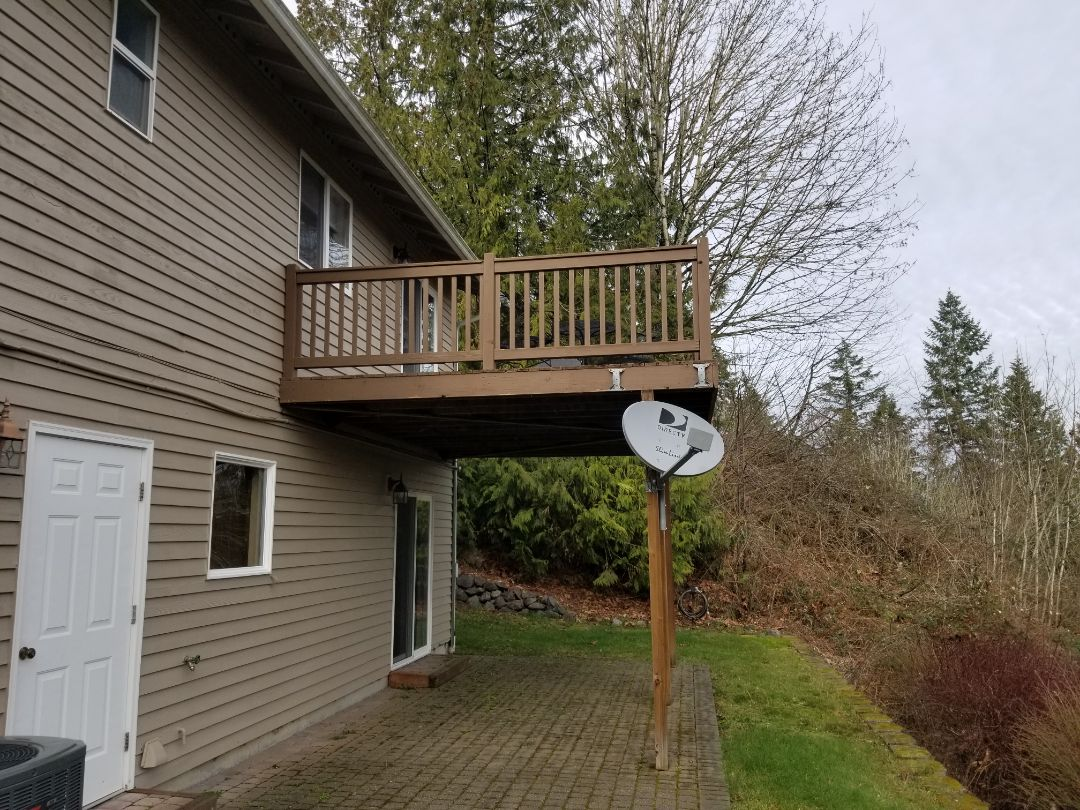Snohomish, WA - Bidding a new composite deck with stairs.