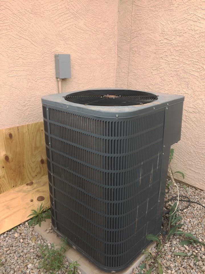 Queen Creek, AZ - 21 point inspection on goodman split heat pump.