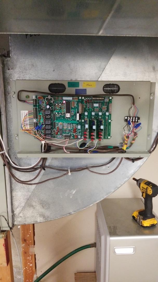 Bainbridge Island, WA - Replacing a Trane heat pump zone panel with a Honeywell zone panel on Bainbridge Island.