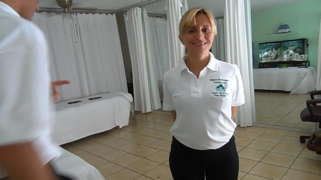Miami, FL - A 90min couples massage. Clients had hip pain and neck pain. Used Tui Na to remove both the hip pain and back pain. Finished them off with Swedish massage and aromatherapy.