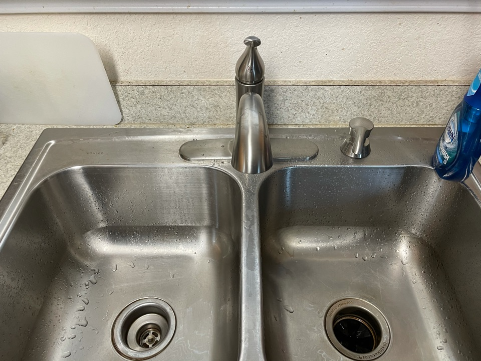 Temple, TX - Installed new kitchen faucets replace old one from 1998