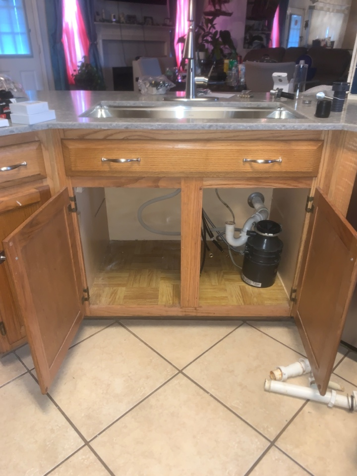 Killeen, TX - Replacing kitchen sink faucet, angle stops and hooking up garbage disposal