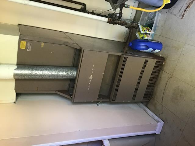 West Carrollton, OH - Providing Estimate for new five star furnace & 16 seer Air conditioner.  Replacing current General Electric furnace.