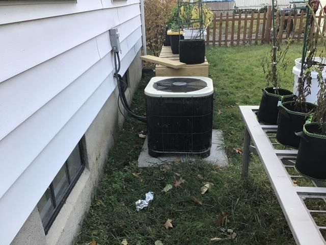 Dayton, OH - system upon arrival had 40 psi in lines added 3 lbs 1 oz to obtain 12 degree subcool on a 10 degree subcool system. System was performing as it should upon departure temp splits 23 degrees