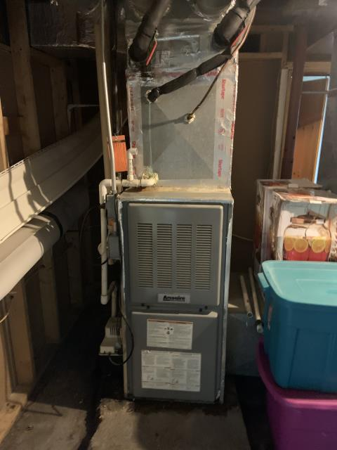 Dayton, OH -  Board wasn't sending power to blower Recommended replacement. Board in bad shape may need more repairs with condition of furnace Customer replacing it himself