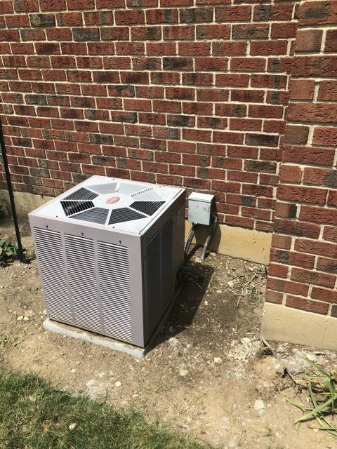Centerville, OH - Inspection on 2003 WeatherKing AC showed inside 50 amp breaker was tripped and charge to be low of refrigerant. Replaced Refrigerant R-22 Freon and advised customer to call electrician for faulty breaker. Other than that, unit is operational at this time.