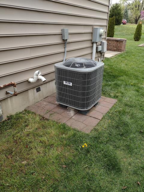 Fairborn, OH - I returned to the customer's home to do an inspection on the installation of a Five Star 13 SEER 2.5 Ton Air Conditioner.