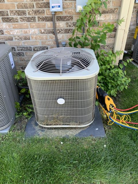 Miamisburg, OH - During a tune up on a Payne air conditioner, I unclogged the condensate drain. I tested pressures, temperatures and electrical components. All tests and readings are within manufacturers specifications and system is cooling at time of departure.