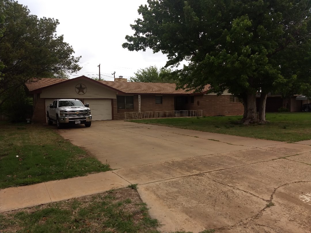 Floydada, TX - Roof inspection for hail damage