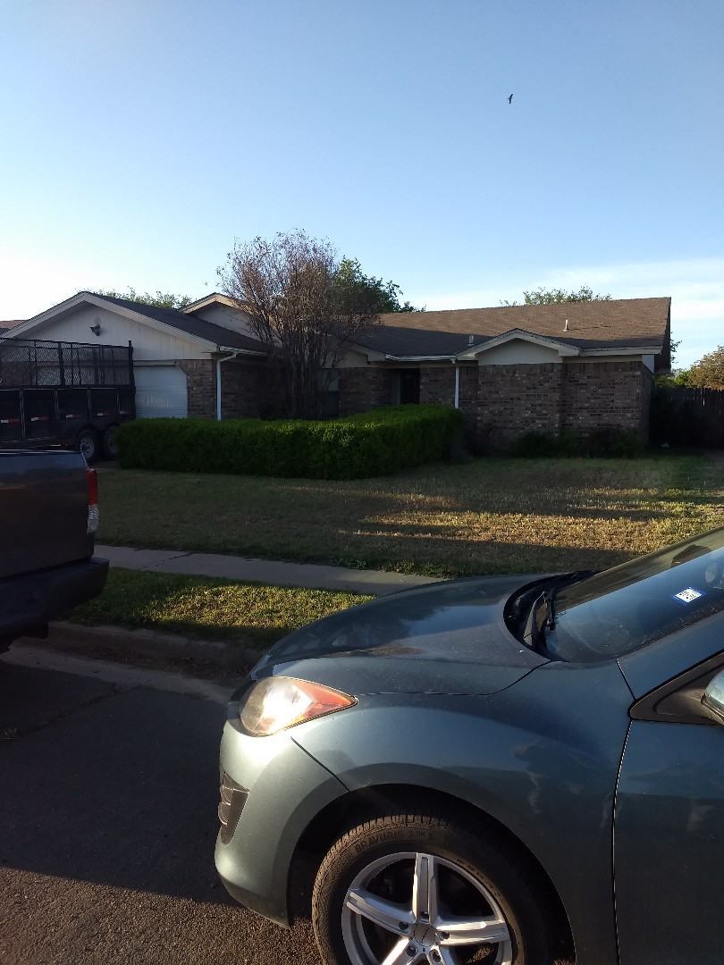 Lubbock, TX - Reroof for a new customer. Going with composition shingles and galvanized eave/drip edge. Installing Ridge Ventilation
