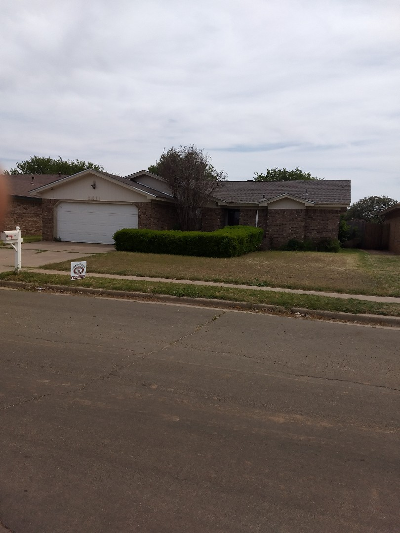 Lubbock, TX - Final product. Reroof for customer. Composition shingles with ridge vent. Galvanized drip edge per request. Lubbock Tx