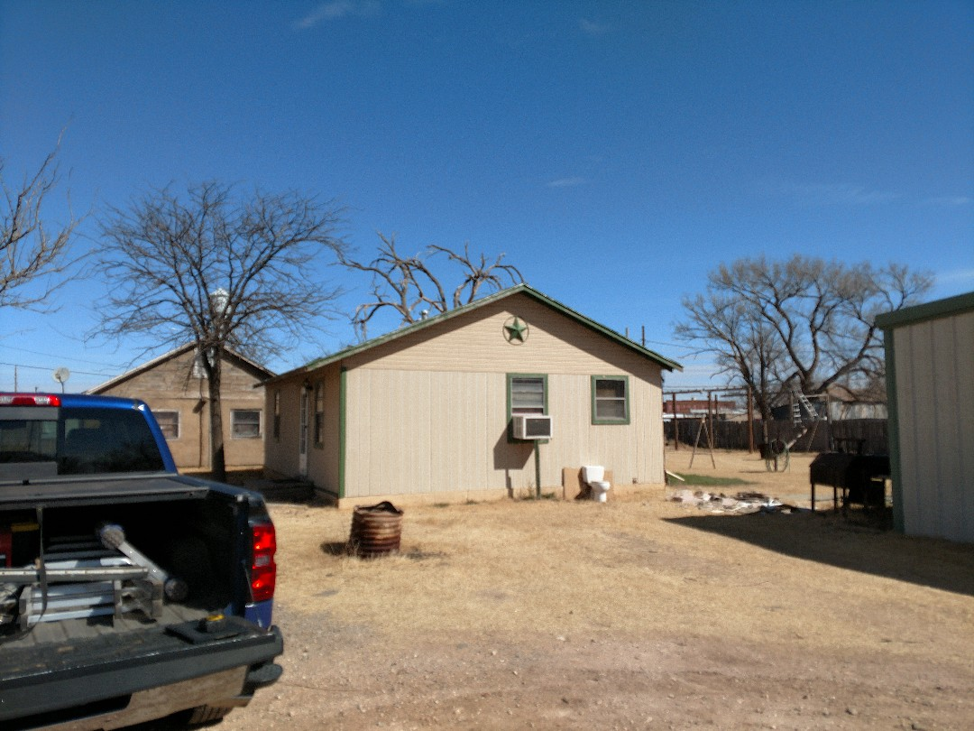 Anton, TX - Giving an estimate for a metal roof and a Class 4 shingle roof.