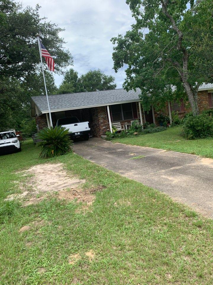 Pensacola, FL - Roof repair free estimate near me