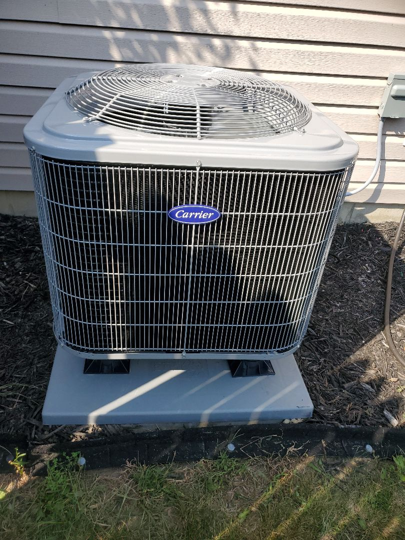 Franklin, IN - New Carrier Heat Pump Installed.