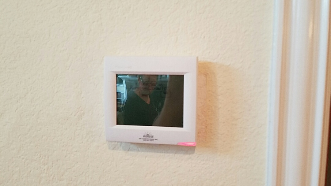 Euless, TX - Install a new Honeywell Wi-Fi thermostat