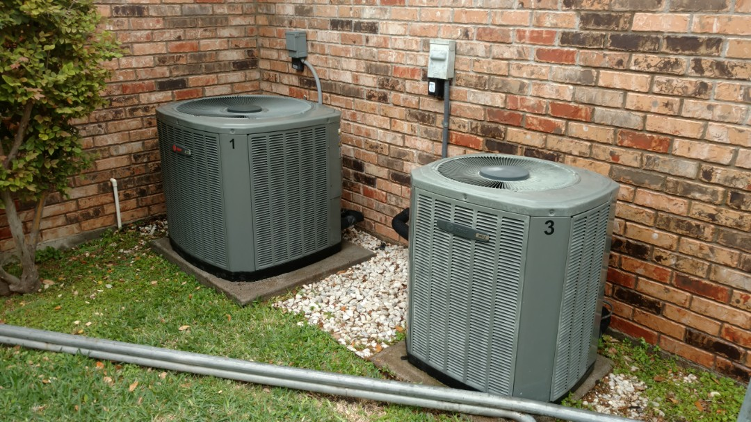 Plano, TX - Gold level maintenance on 3 Trane systems. 3rd unit is on other side of house
