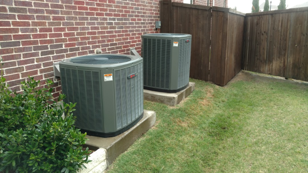 Lewisville, TX - Trane system cooling maintenance.