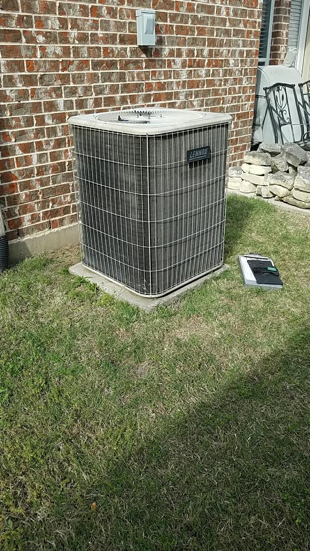 Frisco, TX - Replacing condenser fan motor in Frisco TX