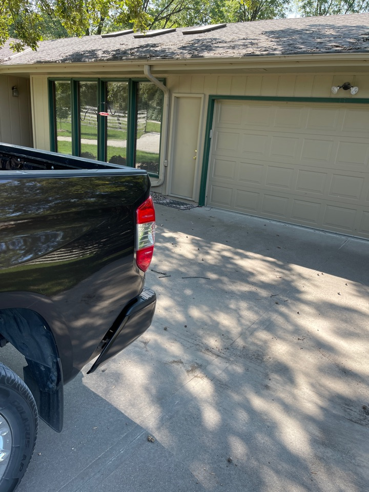 Omaha, NE - Getting out gutters and leaf guards