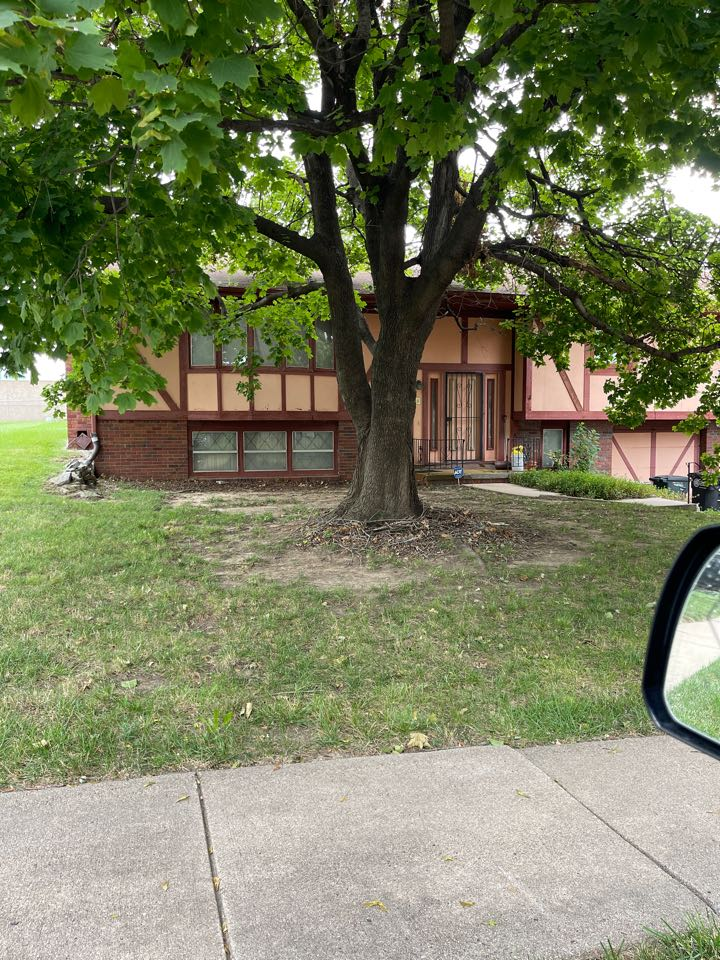 Omaha, NE - Give me a bid on full roof replacement