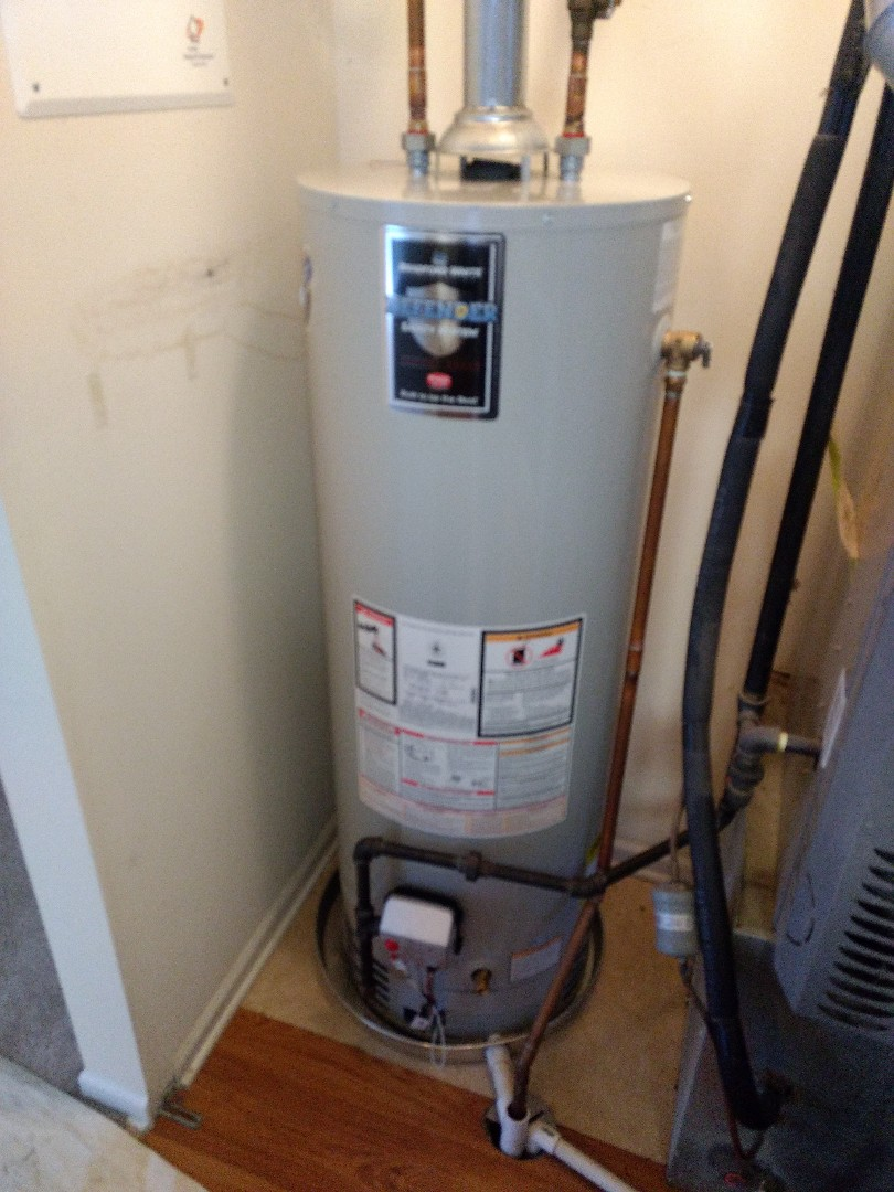 Crest Hill, IL - Installed 40 gallon Bradford White natural vent water heater with drain pan in Crest Hill.