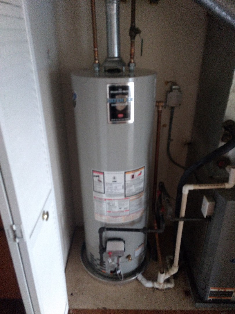 Crest Hill, IL - Installed 40 gallon water heater with drain pan in Crest Hill.