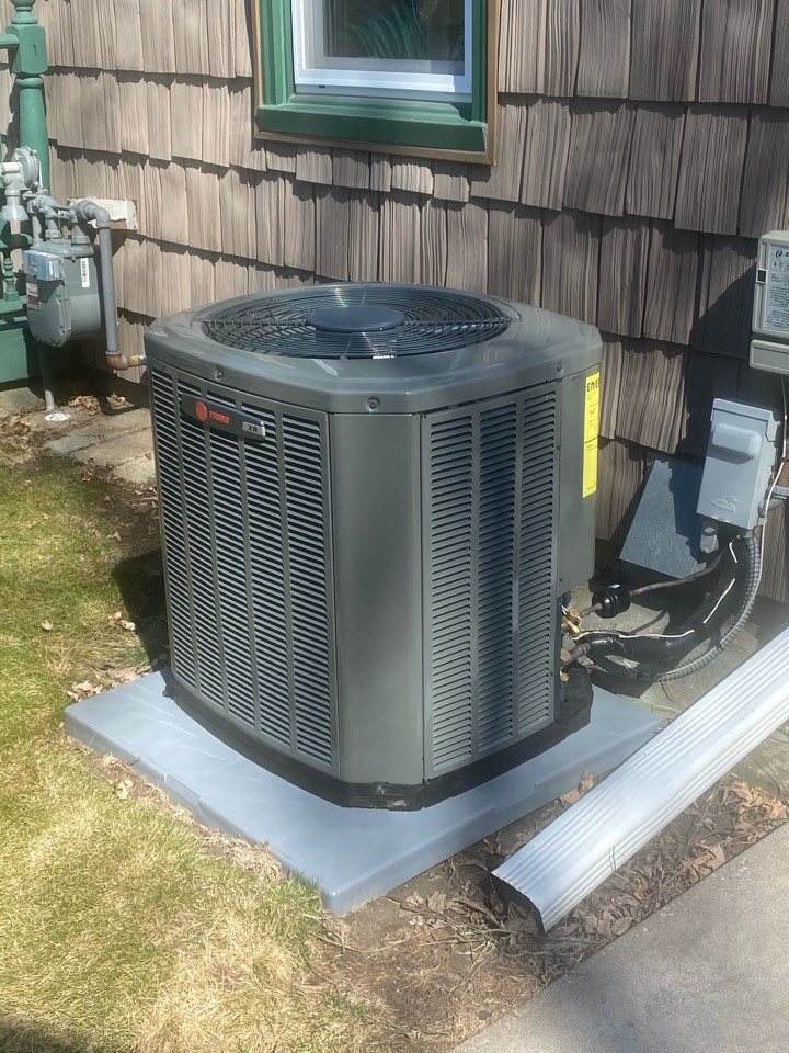 Roseville, MN - Quality check on Installation Of Trane 16 SEER AC