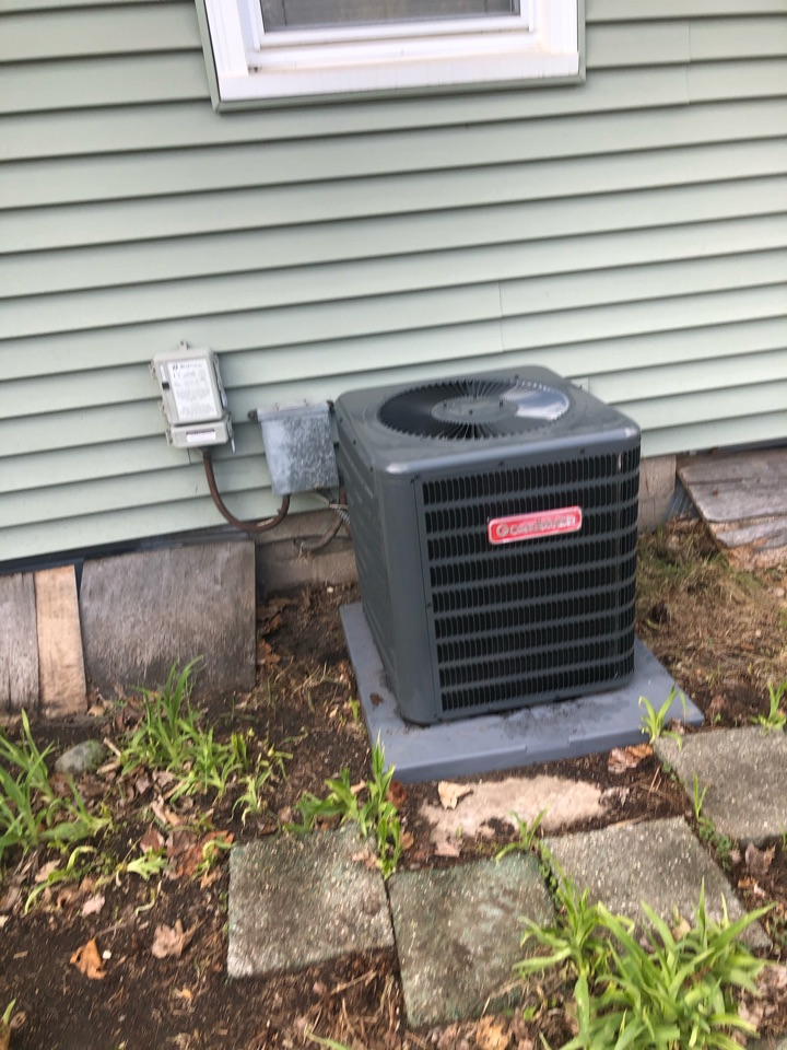 Quality check on installation of Goodman 13 SEER AC.