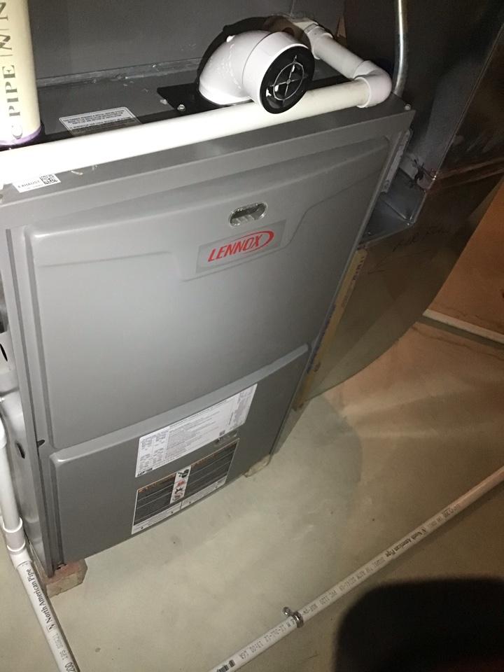 New Baltimore, MI - Lennox furnace not heating