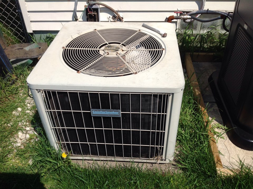 Madison Heights, MI - Service on. A residential comfort maker air conditioner in Madison heights.