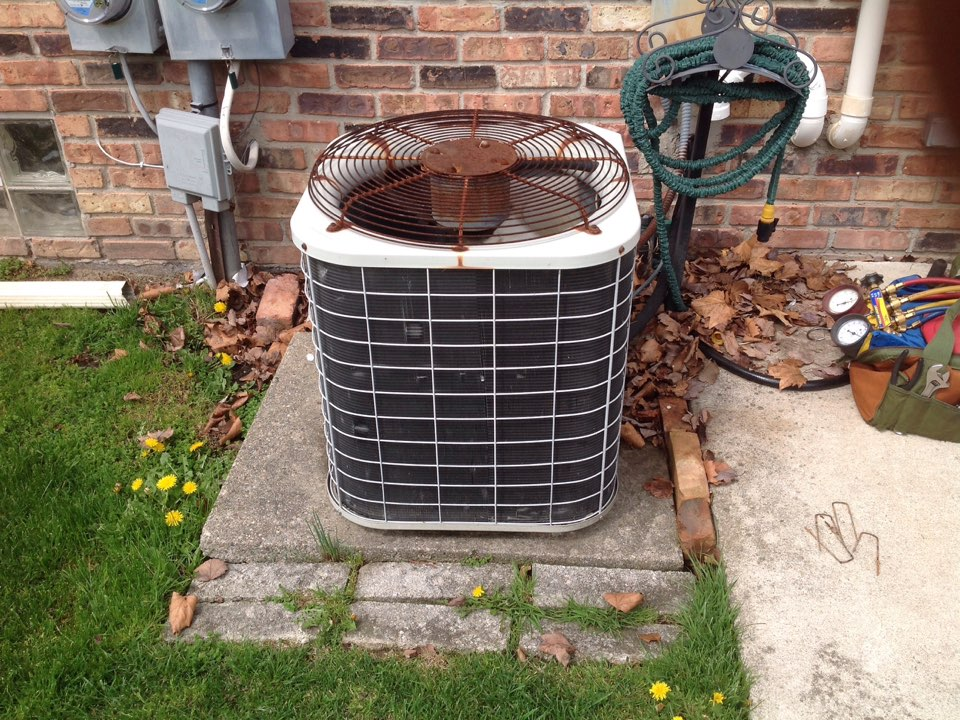 Madison Heights, MI - Maintenance on a residential Bryant air conditioner in Madison heights.