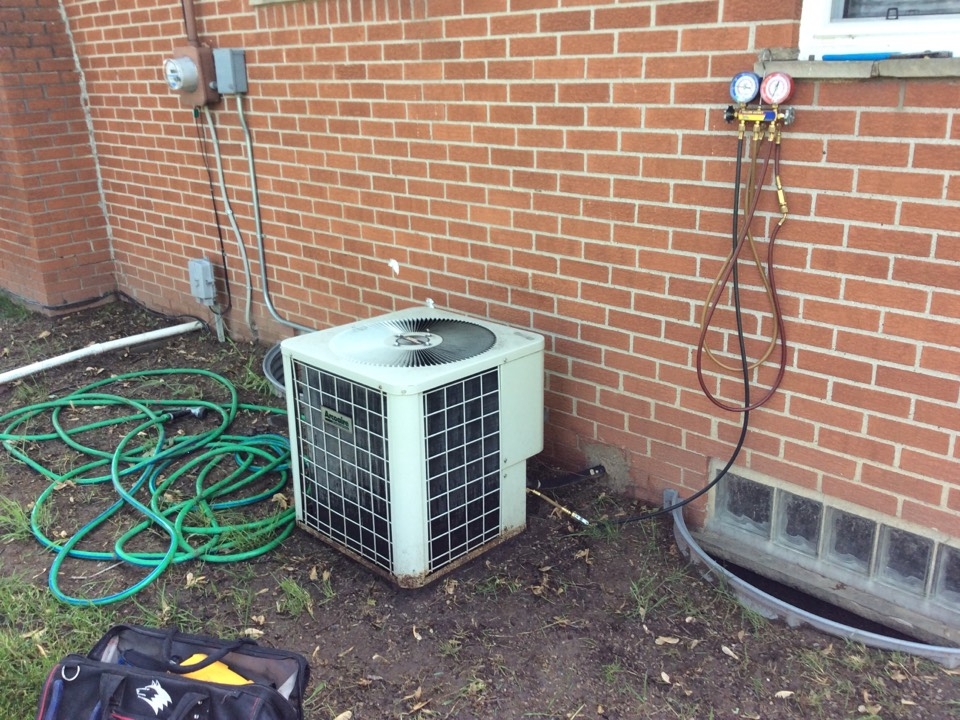 Madison Heights, MI - AC inspection on a Comfortmaker system
