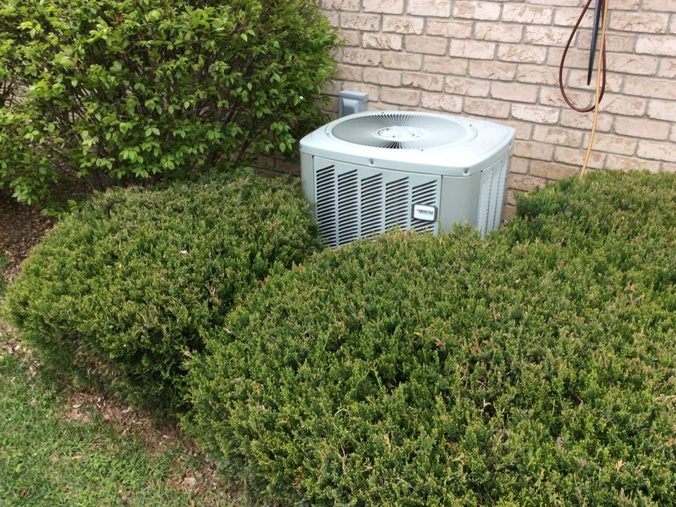 Clarkston, MI - Performed the annual tune-up on a American Standard AC