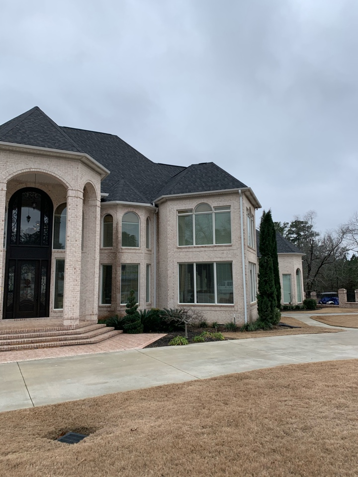 North Augusta, SC - South Point Roofing and Construction is installing new 6 inch seamless gutters in North Augusta, SC.