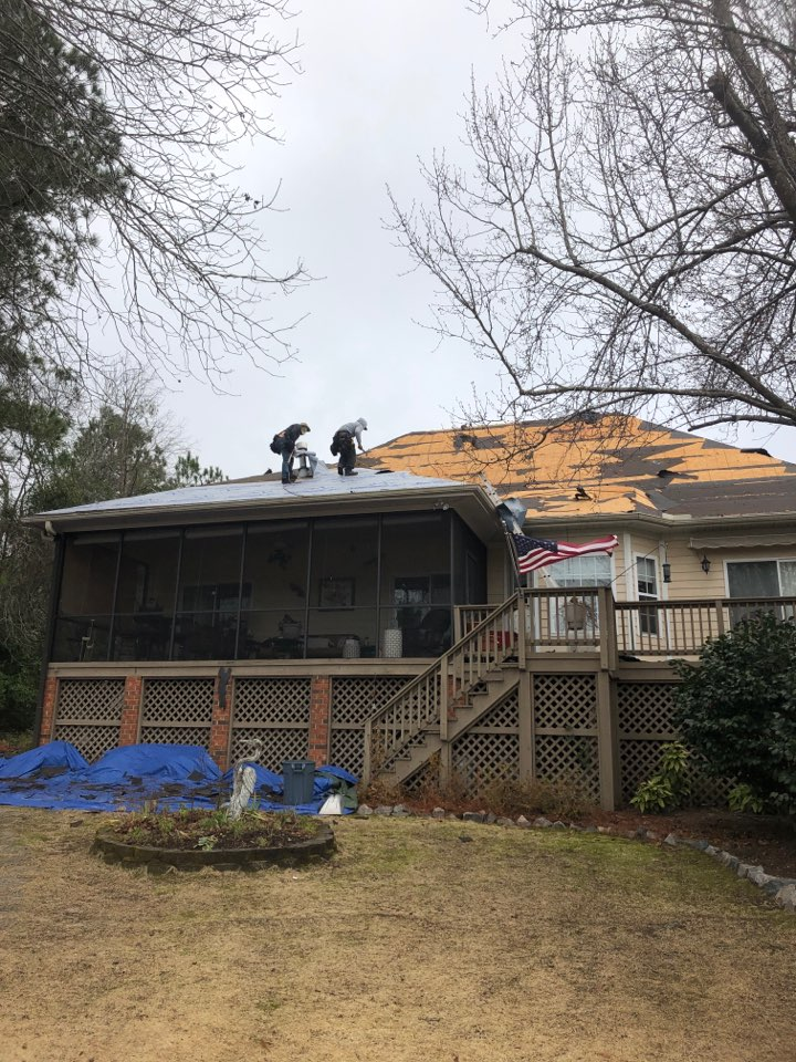 Aiken, SC - Another residential roof replacement by South Point Roofing & Construction, Inc. In Aiken SC in the Woodside Plantation subdivision using Atlas Pinnacle Pristine architectural shingles with Scotchgard by 3M.